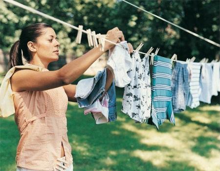 Làm thế nào để quần áo bạn nhanh khô hơn sau khi giặt xong?